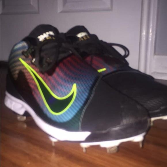 promo code ef271 ed326 Nike Ken Griffey Jr baseball cleats. M 5b4535f903087cfa5f37e54f